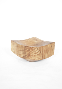 V1719 · Oak#vessel#bowl#coffeetable#woodworking#interiordesign#woodsculptures#art#woodart#wooddesign#decorativewood#originalartwork#modernwoodsculpture#joergpietschmann#oldwood