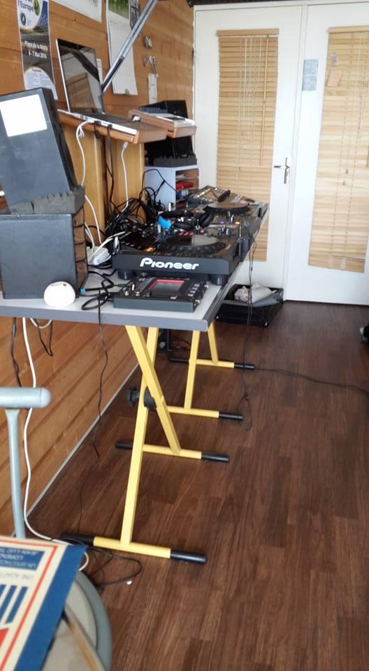Set up for the friday electro on Emergence radio (Limoges)
