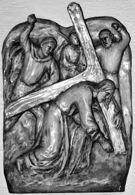 Jesus fällt zum erste Mal unter dem Kreuz
