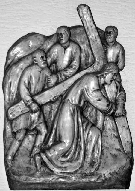 Simon von Cyrene hilf Jesus das Kreuz tragen