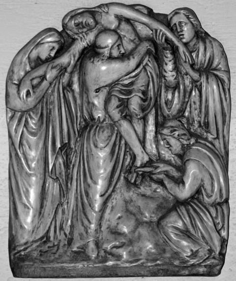 13. Station: Jesus wird vom Kreuz abgenommen und in den Schoß seiner Mutter gelegt