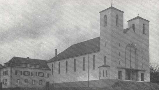St. Antonius Kirche mit Pfarrhaus, 1982