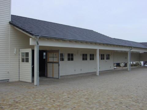 Garagentore in Holzfassade