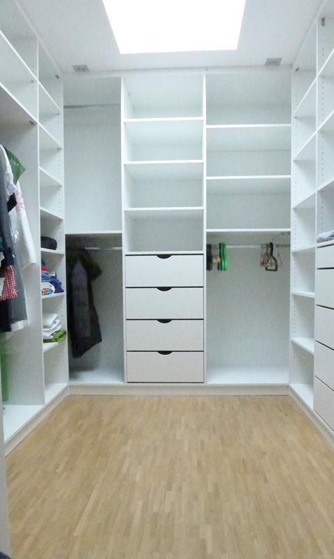 Ankleidezimmer, weiß lackiert