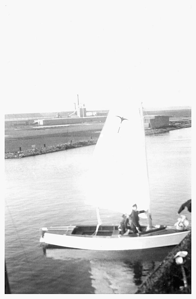 "Valk prototype ""kistmodel"" (met midzwaard)  1939"