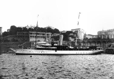 La nave Elettra ormeggiata nel Porticciolo Duca degli Abruzzi a Genova