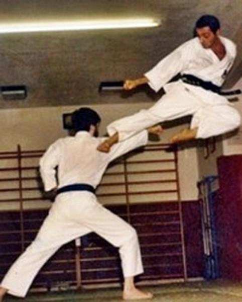 Tecnica: YOKO TOBI GERI