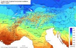 Solar Strahlungskarte Alpenregion Schweiz, optimal geneigte Fläche