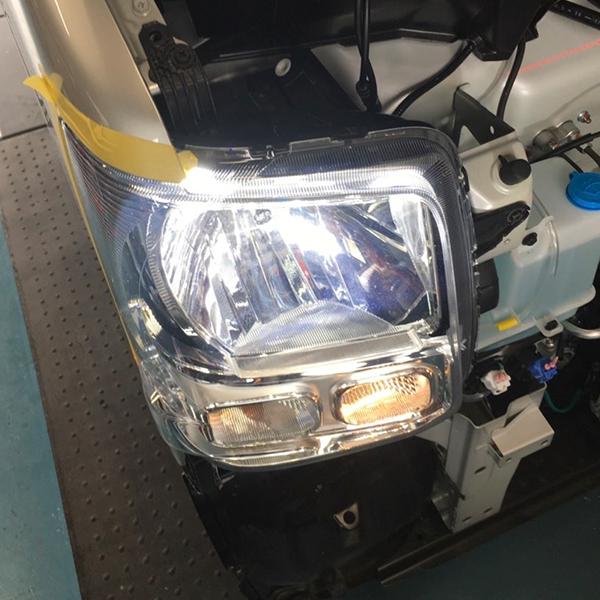 ヘッドライトLED交換:ヘッドライトをハロゲンランプからLEDライトに変更できます