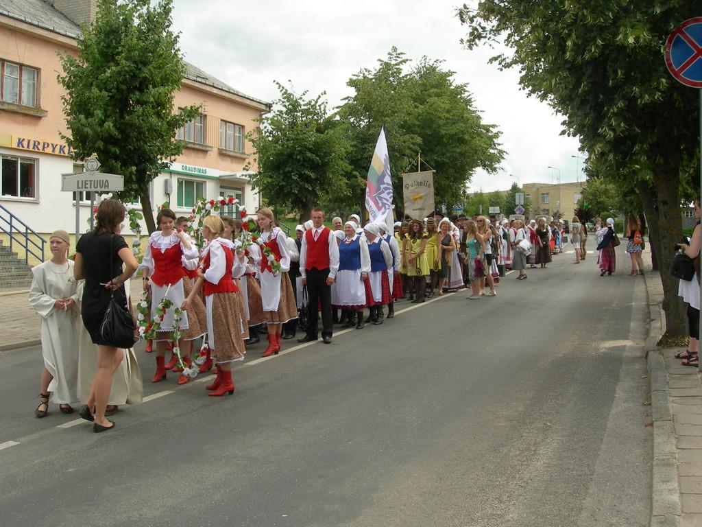 Festivalio dalyvių eisena