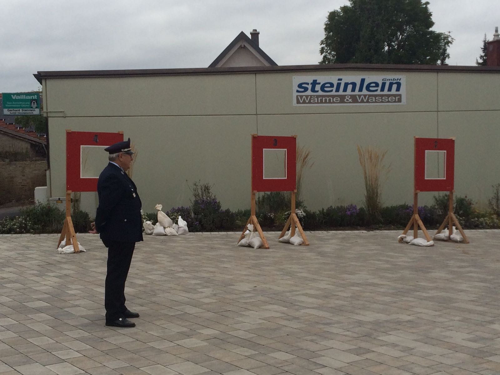 Station 7: Zielwurf mit der Feuerwehrleine