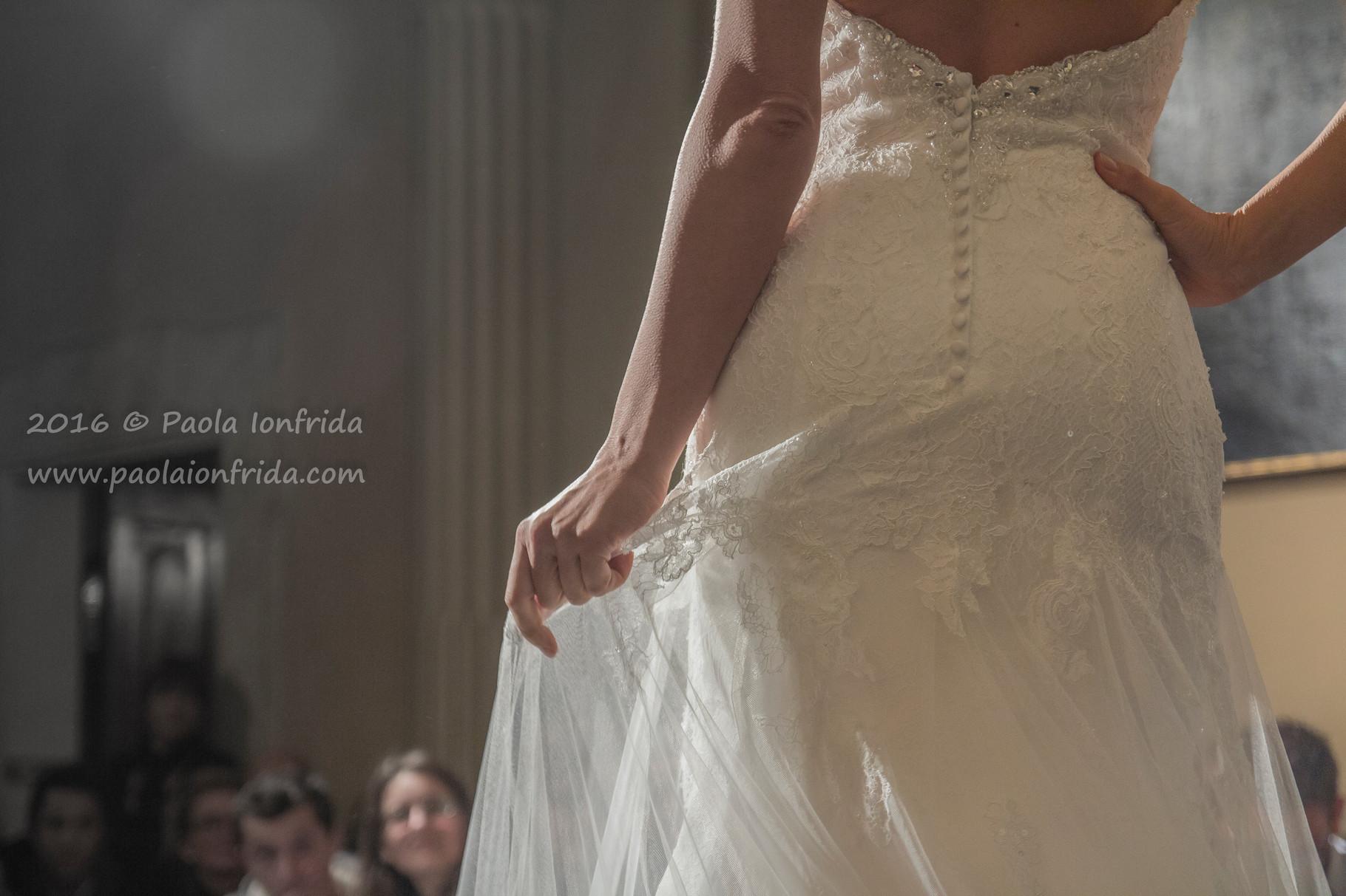 Particolare di abito da sposa