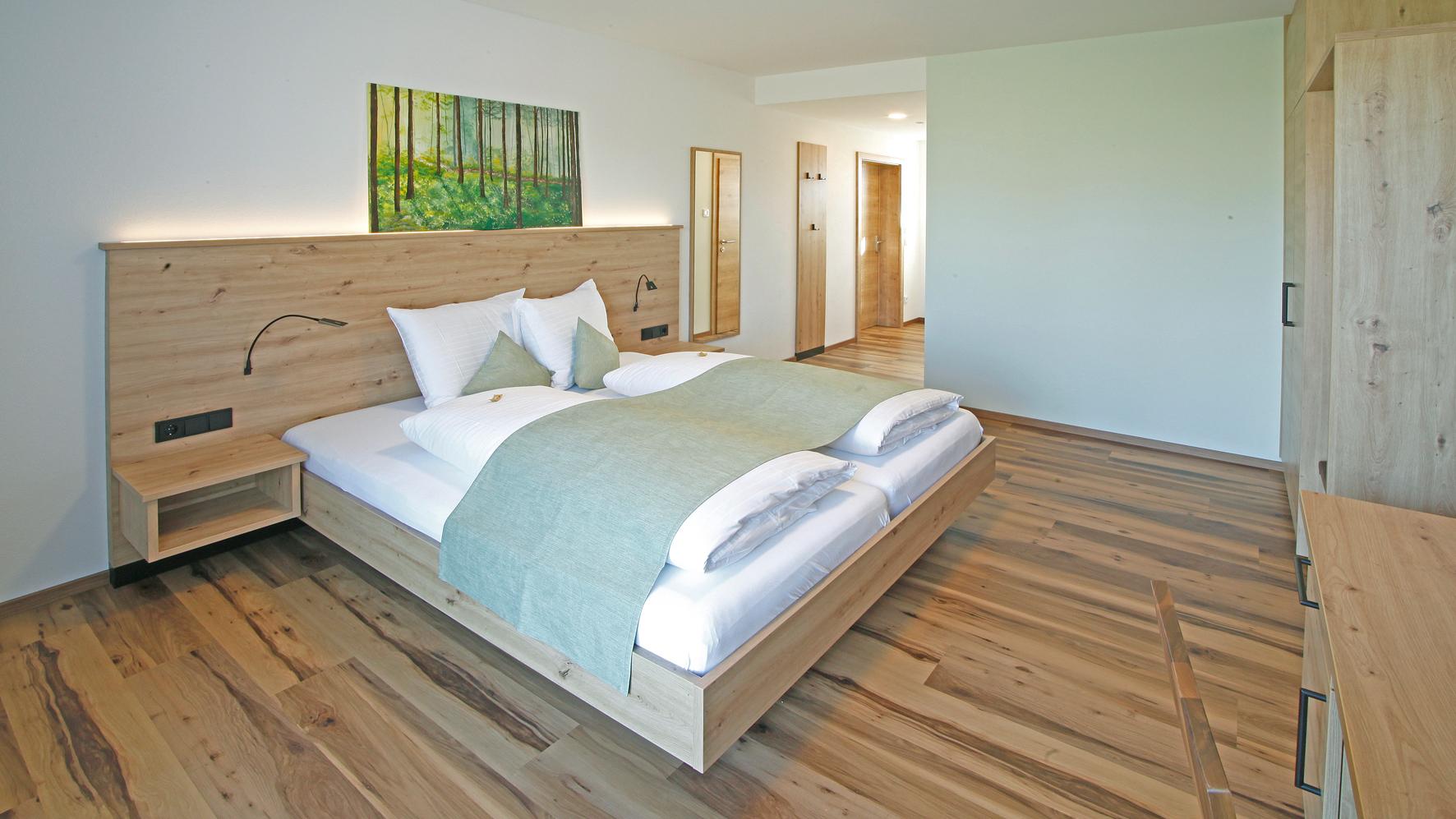 Das neue Gästehaus: bequeme Betten,...