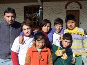 Roland mit seinen Schülerinnen