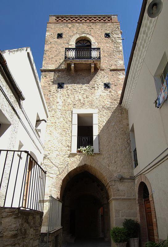 La torre Galuppi, ex torre campanaria della Chiesa di S. Francesco, al presente di proprietà privata