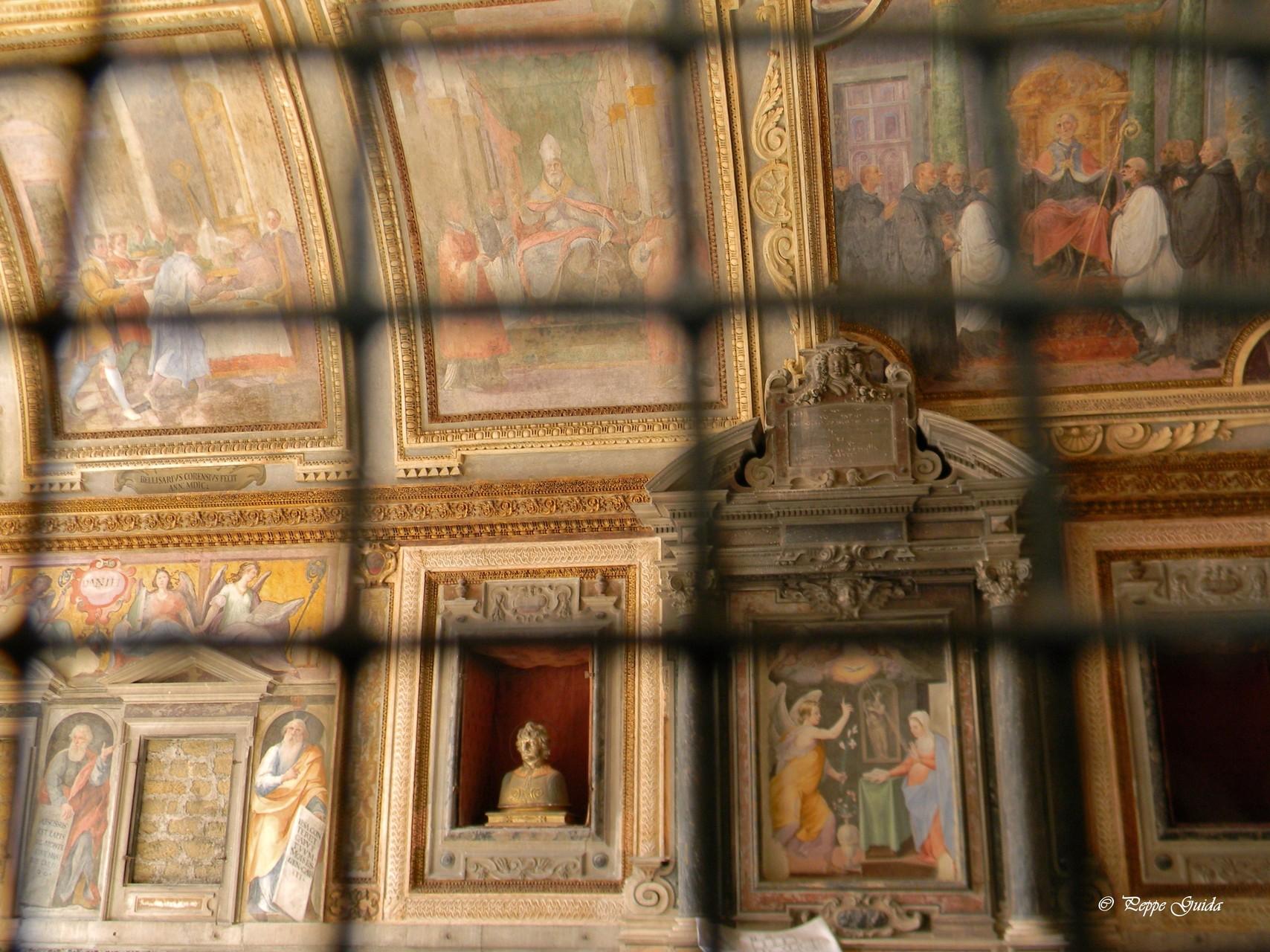 Ancora la Cappella, chiusa per restauro [foto Peppe Guida]