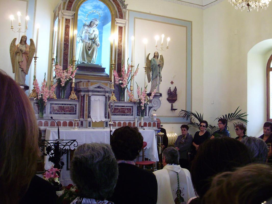 l'omaggio alla Madonna della Difesa del Vescovo diocesano