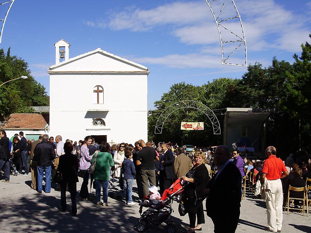 ... sarà un piacere assistere alla Celebrazione eucaristica ...