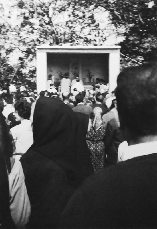 una Messa all'aperto di tanti anni fa (1966)
