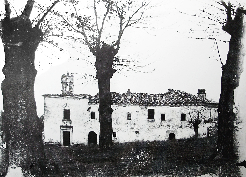 Il Convento come si presentava nel 1918 [foto Archivio Pilone]