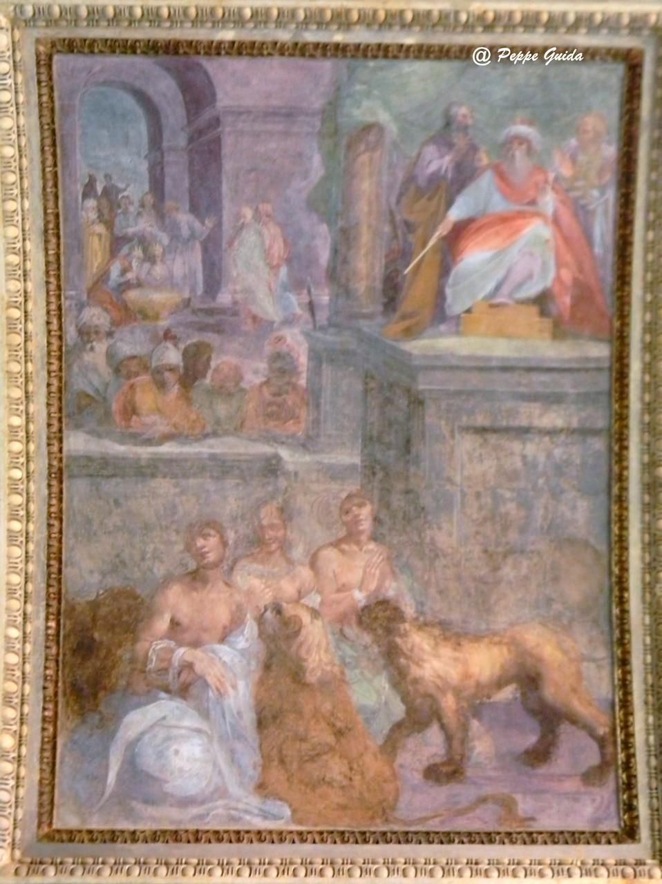 """B. CORENZIO-A. NUCCI-V. DE PINO, """"Tre sante vergini nell'anfiteatro"""" (secondo D'Addosio), oppure """"Le belve che rifiutano di sbranare tre Martiri [Larinesi?]"""" (1597-1599), affresco [foto Peppe Guida]"""