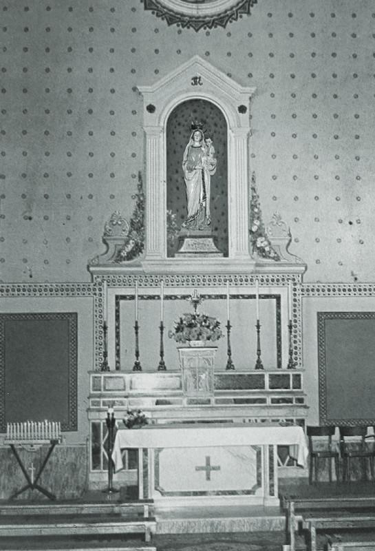 Interno della chiesa della Beata Maria Vergine delle Grazie, riaperta al culto nel 1907 dal sign. Raffaele Prisco