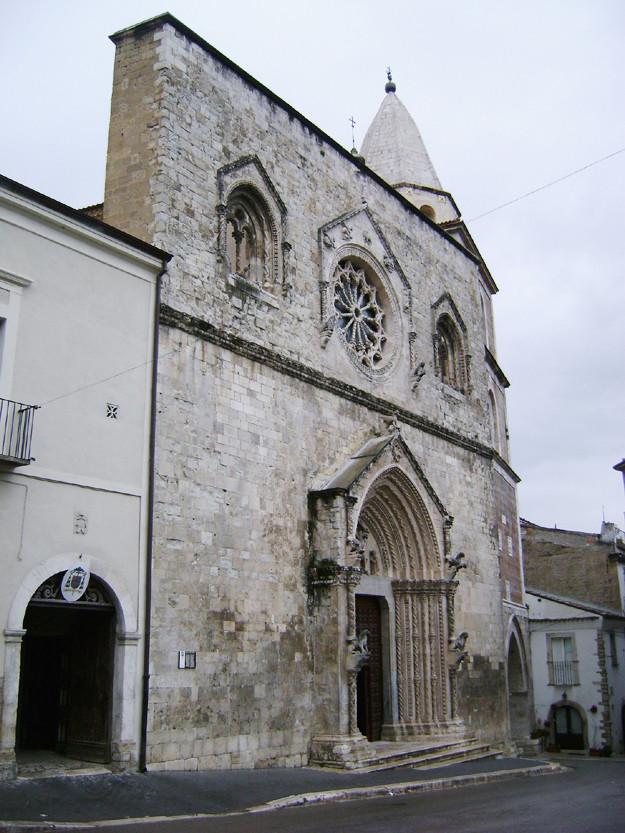 Cattedrale di Larino scorcio