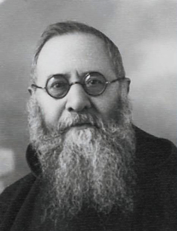 """Padre Agostino Daniele da San Marco in Lamis (1880-1963); fu Ministro provinciale per tre volte, dal 1938 al 1944 e dal  1956 al 1959. Fu il fondatore della prima missione in terra d'Africa (Eritrea). Ha lasciato un """"Diario"""" di memorie su Padre Pio"""