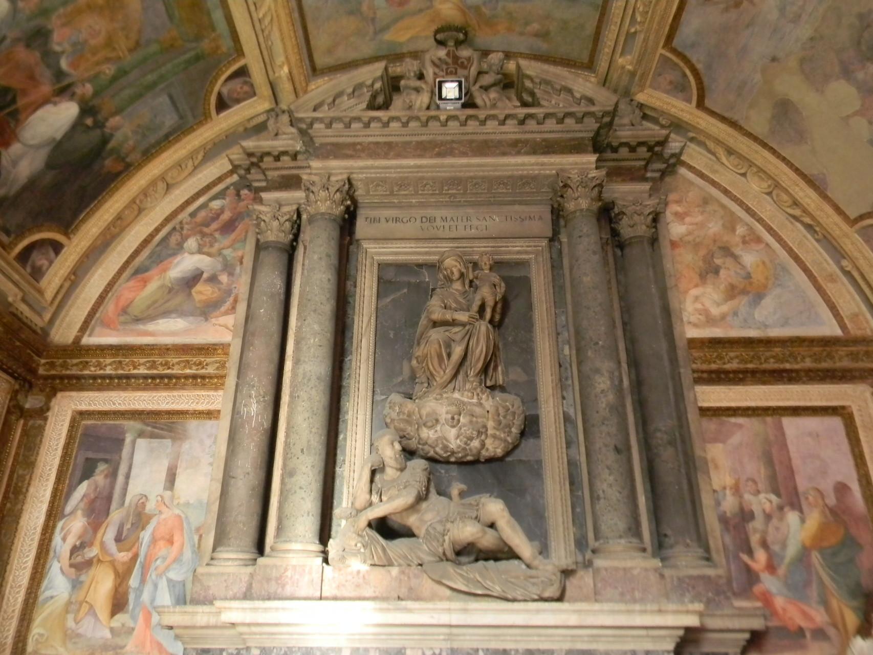 """I due affreschi laterali, opera di B. CORENZIO-A. NUCCI-V. DE PINO: """"Presentazione della Vergine al Tempio"""" e """"Visitazione a S. Elisabetta"""" [foto Peppe Guida]"""