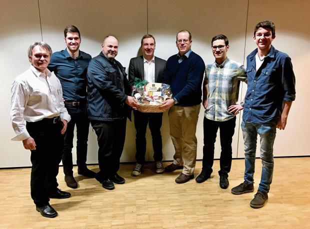 Uwe Schulze, Dominic Büchler (Kantonsrat), Rico Henzen, Lukas Reimann (Nationalrat), Mirco Rossi (Kantonsrat), Sascha Schmid (Kantonsrat) und Mario Schlegel (v.l.n.r.).