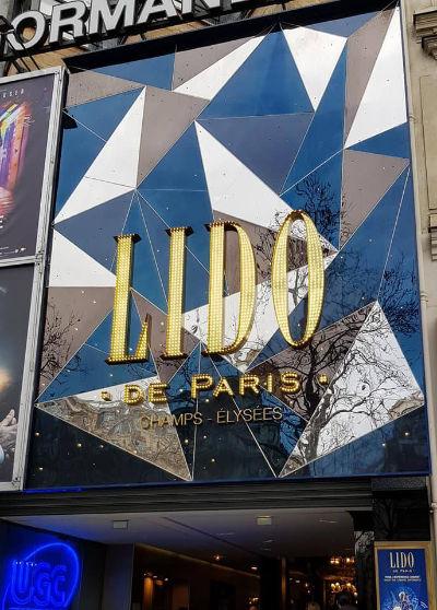 Façade du Lido de Paris.