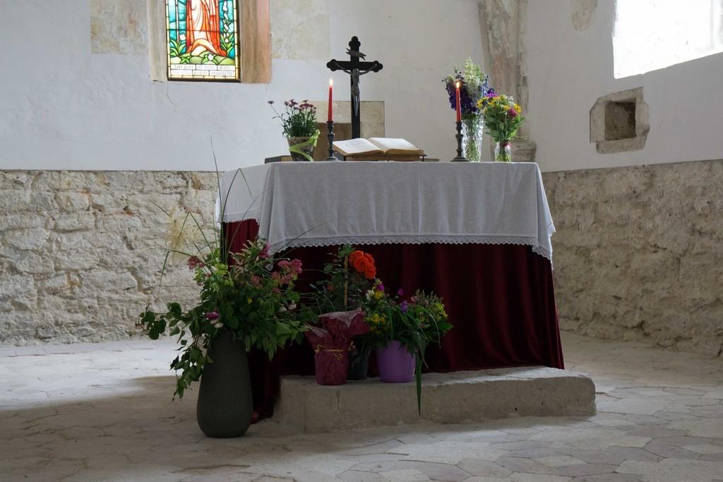 reich geschmückter Altar