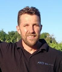 Eric Roy créateur de Art'elec Roy entreprise elctricité sur Jarnac (16)