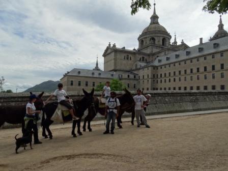 A ritmo de burro en el monasterio