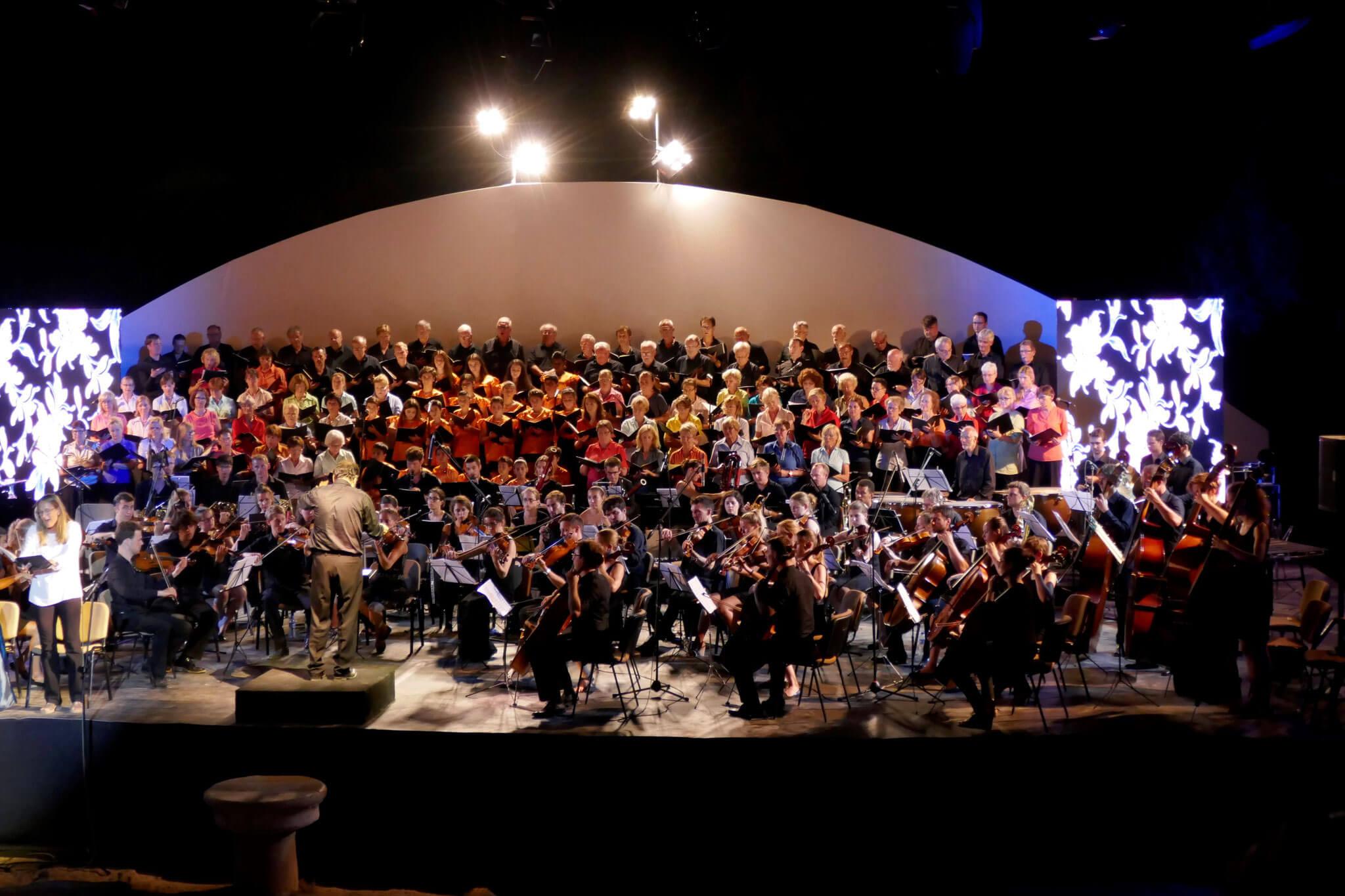 Volle Bühne bei der 9. Symphonie von Beethoven