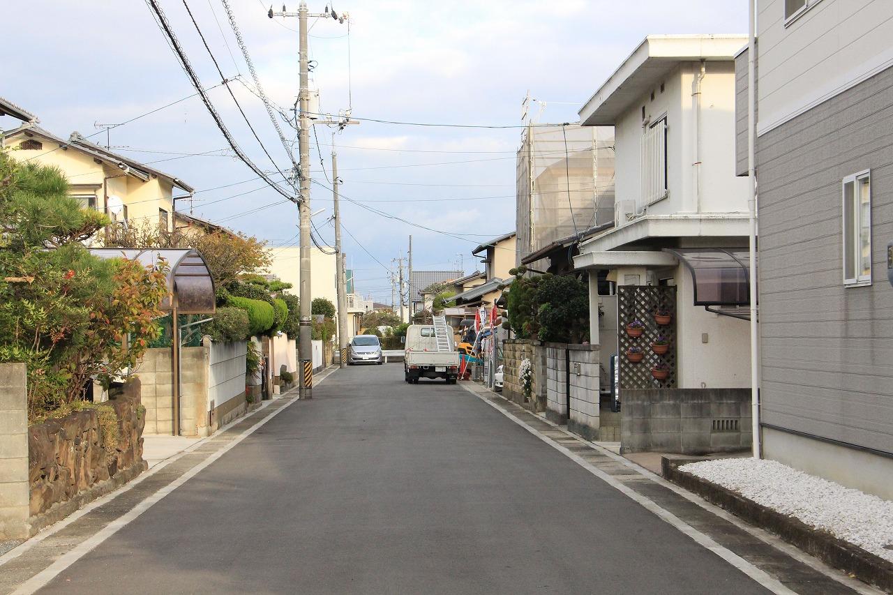現地 前面道路周辺(2016年11月撮影)