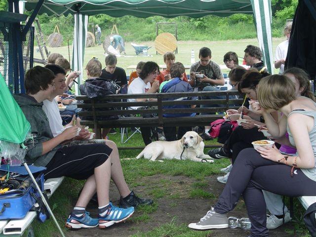 Bei rund 40 Jugendlichen gab es dann auch eine Menge Gesprächsstoff