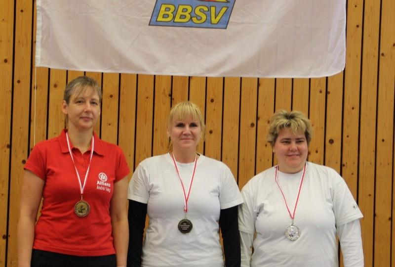 Landesmeister und Vize-LM: Gabi Schultze (Mi.) und Anke Kutz (re.)
