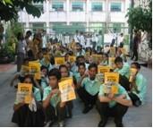 Diese Schüler konnten mit Schulbüchern unterstützt werden.