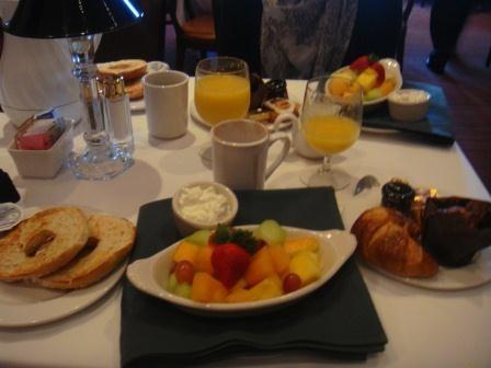 Frühstück im Hilton Naples