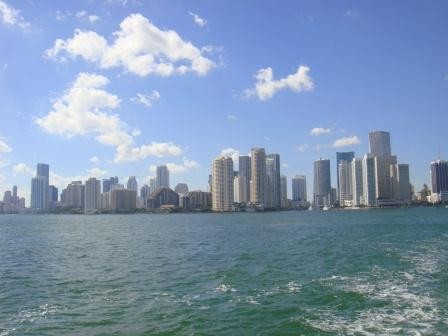 Miamis Skyline vom Wasser aus