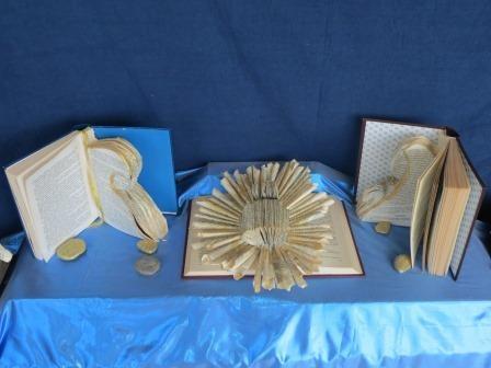 Krippen aus Büchern am Lago Maggiore