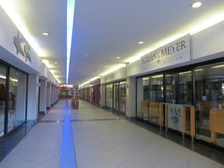 Impressionen aus Windhoek - geschlossene Geschäfte