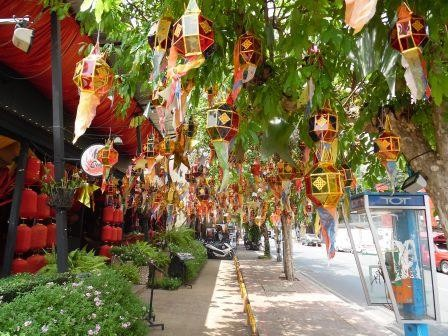 In der Altstadt von Chiang Mai - hübsch geschmückte Gassen