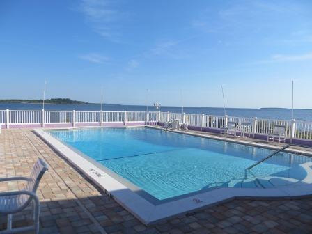Pool im Beachfront Motel in Cedar Key