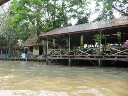 Longtailboot fahren in den Klongs
