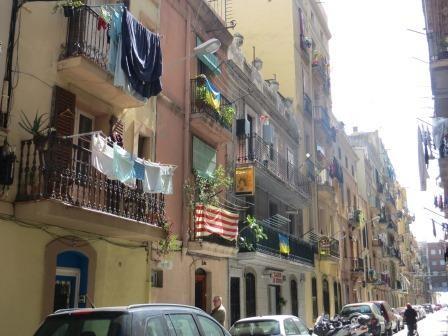 Waschtag im Viertel Barceloneta