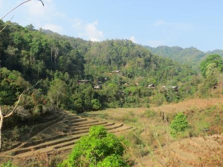 Karen-Dorf zwischen Reisterrassen