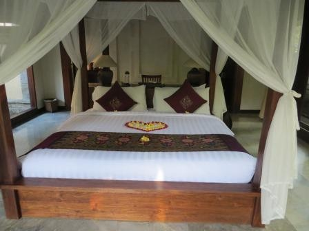 Poolvilla im Ubud Village Resort