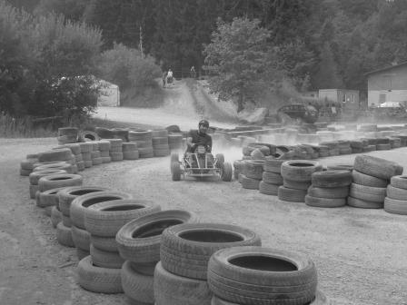 Jan in Action beim Kartfahren